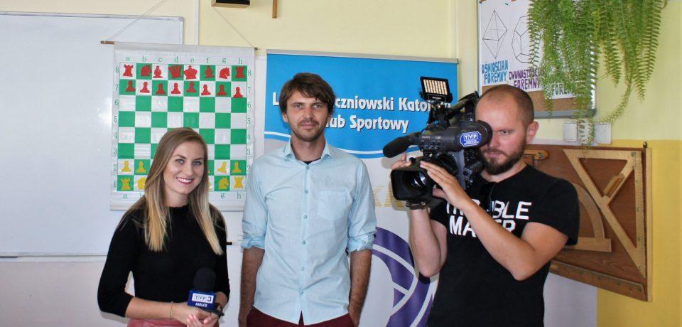 TVP3 Kielce w Informatyku – Czyli o tym jak szachy wpływają pozytywnie na kształtowanie umysłów u dzieci i młodzieży.