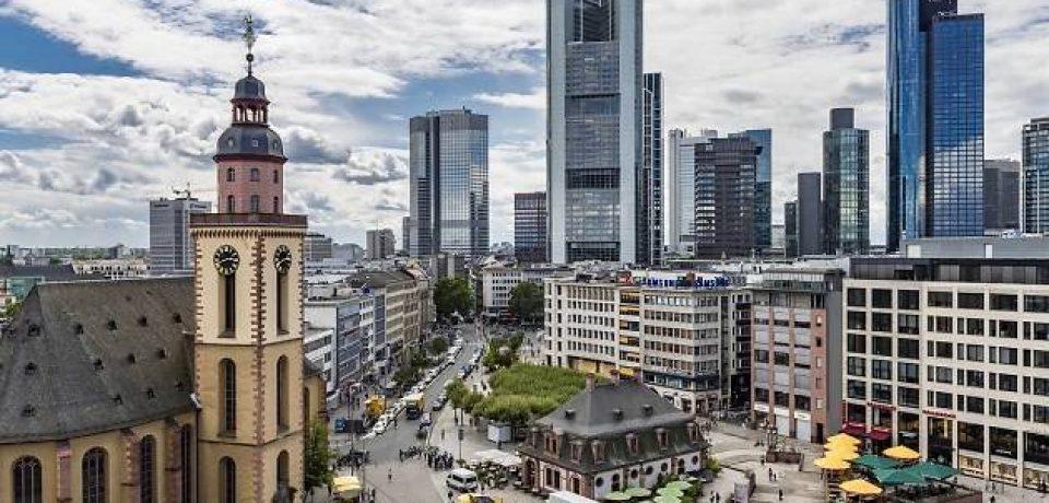 Wycieczka do Frankfurtu nagrodą dla dwóch uczniów Informatyka